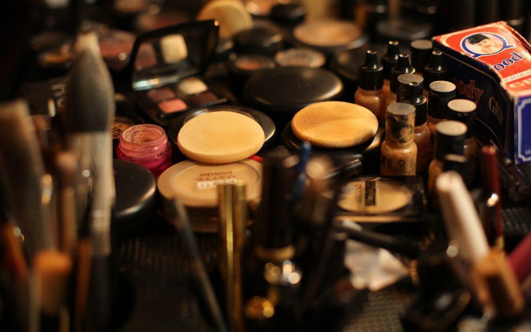 Les indispensables dans une trousse à maquillage